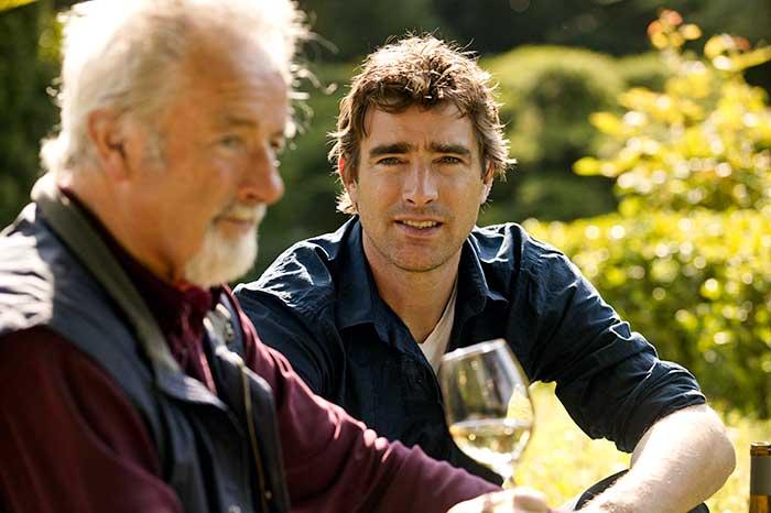 Winzer Jochen Becker mit Vater im Weingut Müller-Dr. Becker in Dalsheim