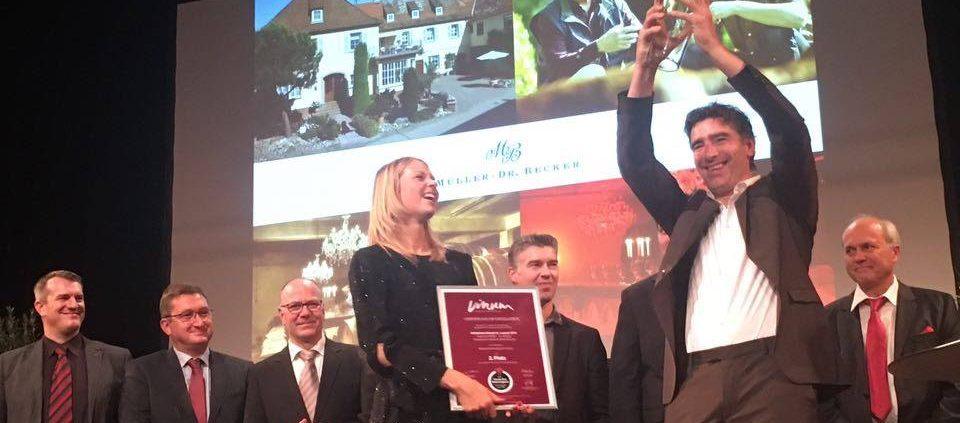 Jochen Becker wird 2. beim deutschen Rotweinpreis
